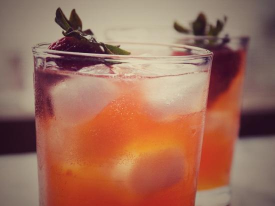 strawberry-ginger-kombucha